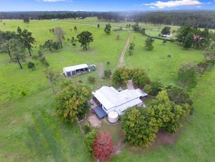 Country Living Close to Town - The Whiteman