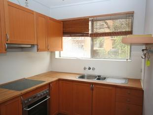 Two bedroom apartment  close to river & CBD. - Queanbeyan