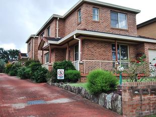 Great Location. freshly painted 2 bedroom Villa - Mortdale