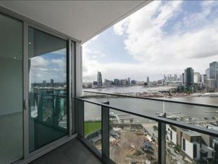 Luxurious contemporary living - Docklands