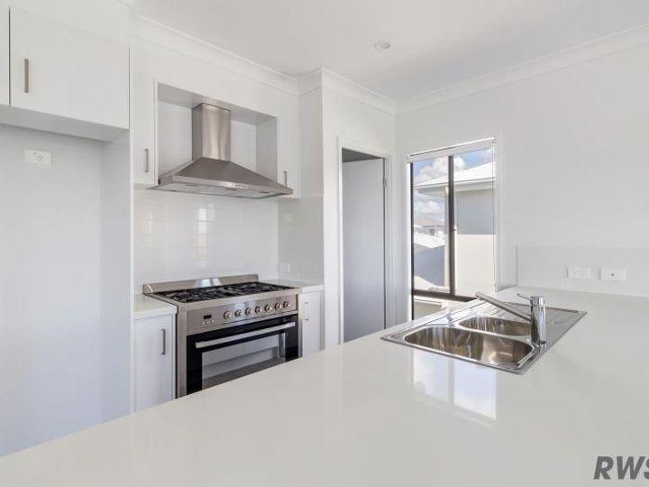43A Sickle Avenue, Hope Island, QLD