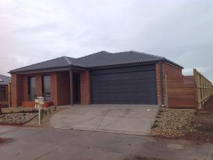4 BEDROOM HOUSE IN WATERFORD ESTATE - Melton South