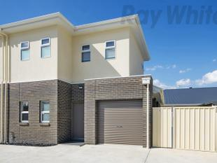 Executive Townhouse - Woodville North