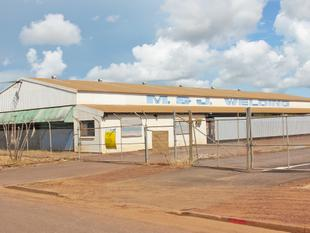 Warehouse 730 m & Land 5850 m - Pinelands - Pinelands