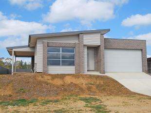 Brand New Four Bedroom Home with a View - Brown Hill