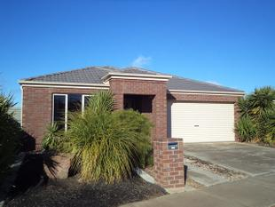 Contemporary Home in Quiet Court - Westwood Park - Echuca