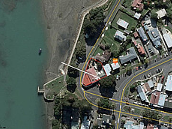 2 Wallis Street, Raglan, Waikato District
