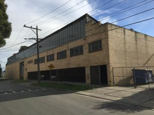 SUBSTANTIAL WAREHOUSING OPPORTUNITY! - Reservoir