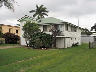 Highset Home - 2 bedrooms plus Sleepout - Maryborough