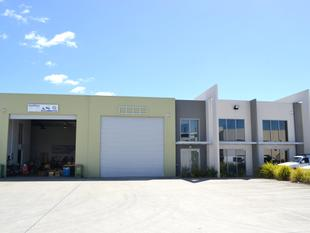 324m2* Outstanding Warehouse & Office Space! - Coomera