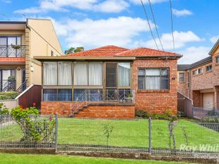Best Location Brick 3 Bedroom Home - Riverwood