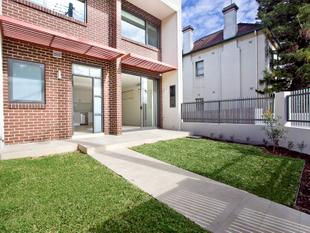 TRI LEVEL TOWNHOUSE - Lewisham