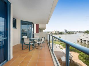 RIVERFRONT OASIS - URGENT SALE REQUIRED - VIEW SAT 10 - 10.45AM - Kangaroo Point