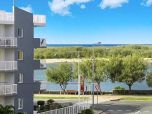 Renovated 2 Bedroom Unit Near The Passage - Golden Beach