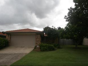 Family Home - Walk to Train Station - Fitzgibbon