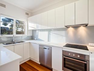 LIGHT & BRIGHT 2 BEDROOM APARTMENT - Willoughby