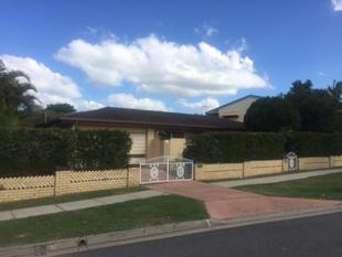 Recently Refreshed Residence - Granny Flat & Pool - Geebung