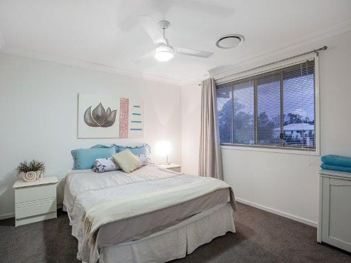 13 The Peninsula, Helensvale, QLD