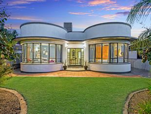 Art Deco Family Home with Granny Flat - Clearview