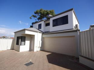 MODERN REAR TOWNHOUSE - Balga
