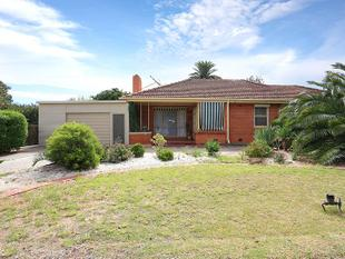 3 Bedroom Home with rear verandah entertaining - Elizabeth North