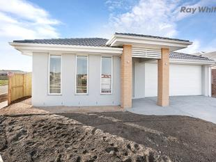 Brand New Family Home in Salt Water Coast - Point Cook