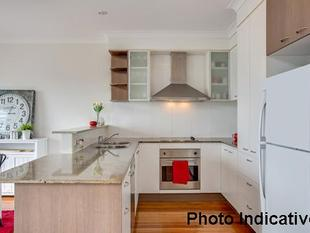 ROBINA'S BEST KEPT SECRET  4 BEDROOM TOWNHOUSE - Robina