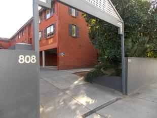 Modern & Very Well Located - Sure to Impress & Spacious - Malvern East