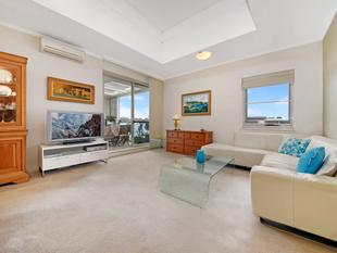 Unfurnished Top Floor Charm | Extremely Generous | Water Views - Wentworth Point