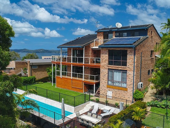 RECORD PRICE 6 Indra Road, Tascott, NSW