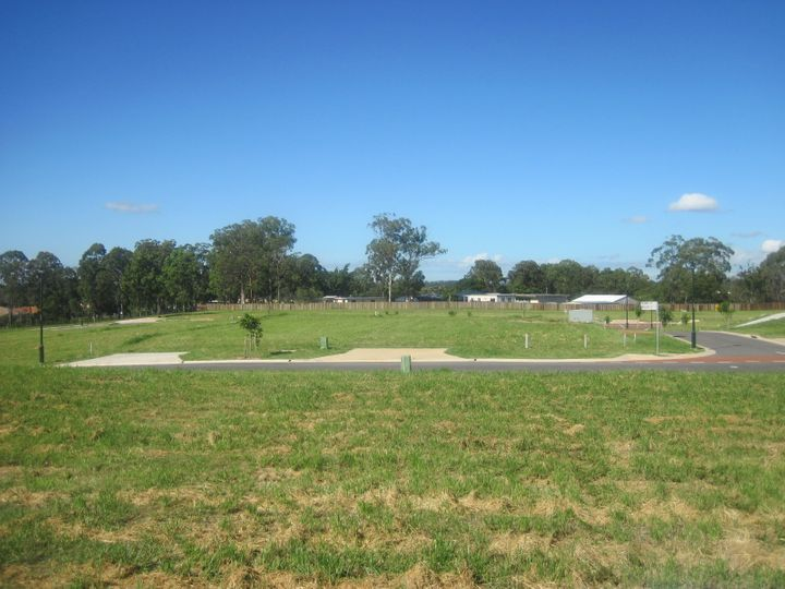 27 (Lot 45) Benham Avenue, Kallangur, QLD