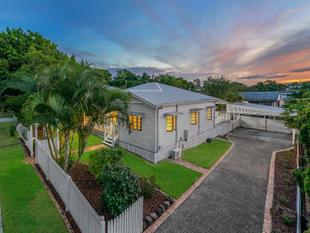 UNDER CONTRACT - STUNNING EXAMPLE OF A TRADITIONAL QUEENDSLANDER IN WAVELL HEIGHTS - Wavell Heights
