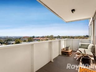 Stylish Living in the Heart of South Yarra - South Yarra