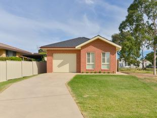 QUALITY TOWNHOUSE WITH VIEWS - Tamworth