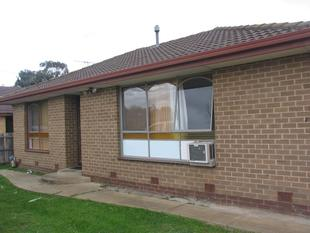 2 BEDROOM HOUSE  - CLOSE TO STATION - Melton South