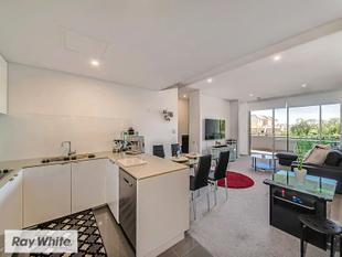 LIVE THE DREAM !! Buy or invest! guaranteed rent  for 12 months as an option!! - East Perth