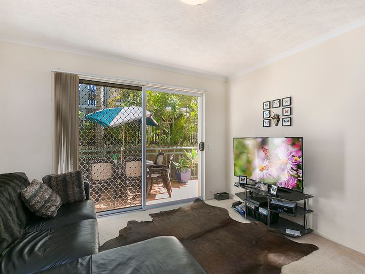 2/7-11 Johnston Street, Southport, QLD