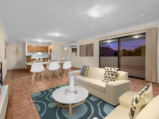 SPACIOUS UNIT IN HEART OF COORPAROO - Coorparoo