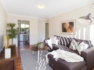Two Storey Unit with Internal Stairs - Annerley