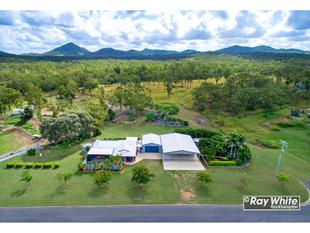 Acreage Living With 19 X 9m Of Shed Space!   - The Caves