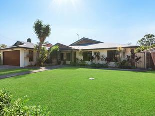 Ever Popular Old Mango Hill Village on a Sprawling 810m2 block with a Pool!! - Mango Hill