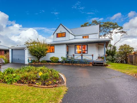 Henderson Heights, 82 Rhinevale Close