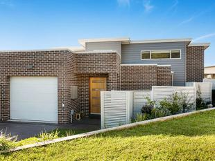 Modern, low maintenance living! - Shell Cove