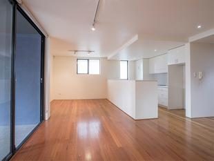 Perfectly Positioned and Oversized One Bedroom Apartment - Redfern