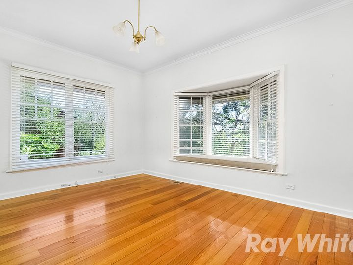 6 Miller Crescent, Mount Waverley, VIC