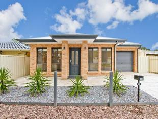 Built In 2015, A Pretty Near New Home For You!! - Parafield Gardens