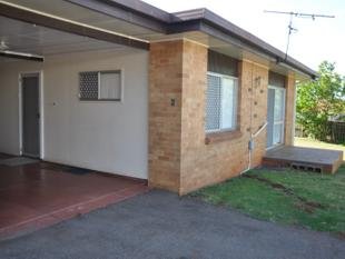 Brilliant Location - Very Neat Unit! - South Toowoomba