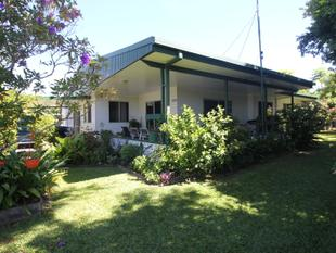 TRANQUIL LIVING IN THIS LOWSET DWELLING... - Ingham