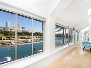 Top Floor 2 Bedroom in the Finger Wharf - Woolloomooloo