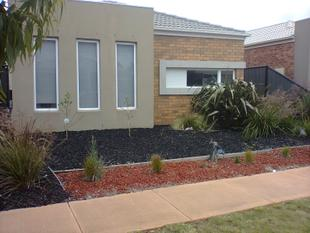 FAMILY HOME IN IDEAL LOCATION - Point Cook
